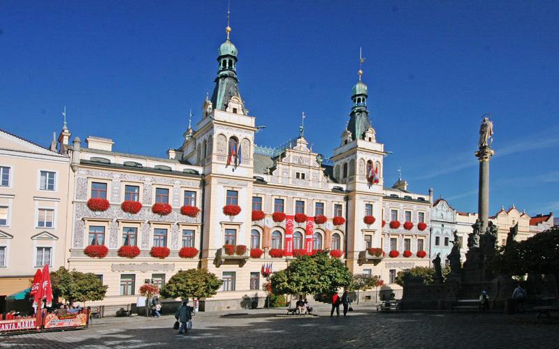Pujcky Pardubice