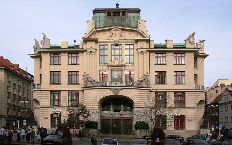 Pujcky Praha-1